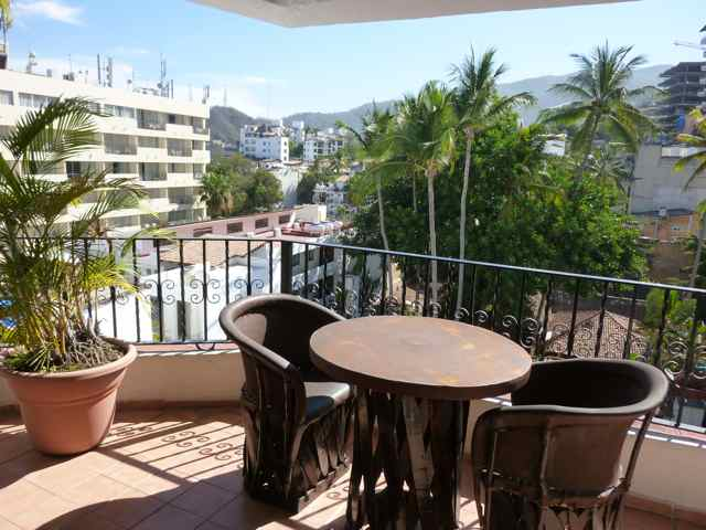 LP 1BR, 7th floor on Los Muertos Beach